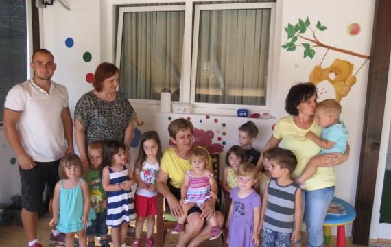 """Gradonačelnica posjetila mališane iz """"Točkice"""""""
