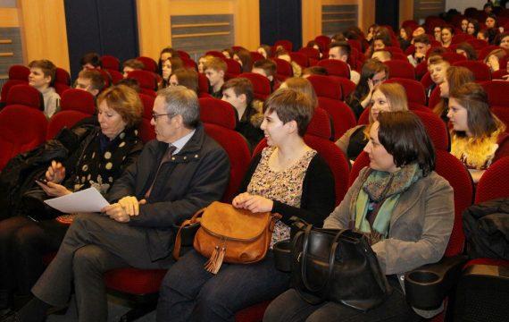 """U Koprivnici se održava Festival obrazovnog filma """"Les jeunes, au cinéma!!! – Mladi u kino!!!"""""""