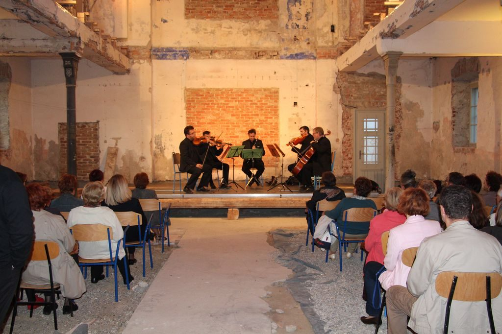 LokalnaHrvatska.hr Koprivnica U koprivnickoj sinagogi odrzan koncert Quodlibet ansambla