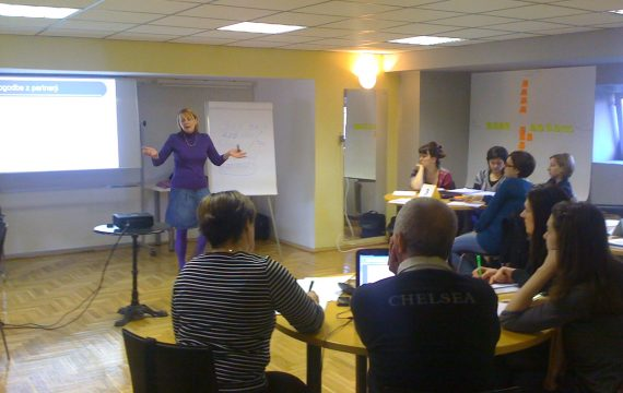 Open enrollment in the program projects training for leaders of developing and implementing EU