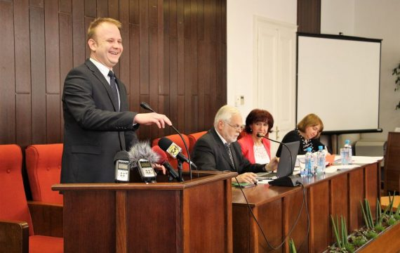 Held 31st sessions of the City Council