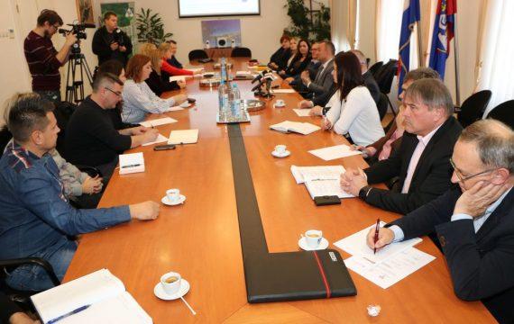 Zamjenica gradonačelnika Melita Samoborec prisustvovala radnom sastanku na temu kreiranja plana upisa u srednje škole i uvođenja novih zanimanja u šk.god. 2018./19.