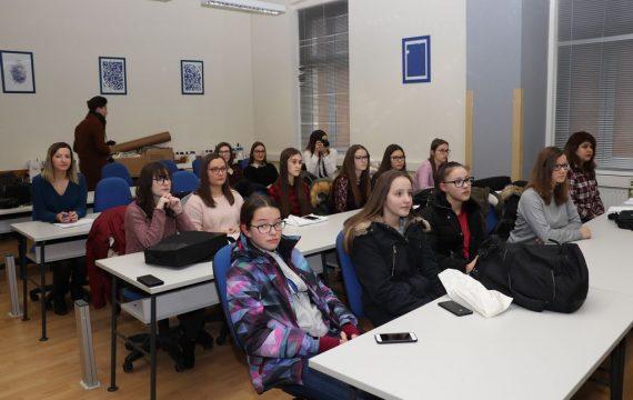 U Pučkom otvorenom učilištu u tijeku su besplatne edukacije u sklopu projekta STEM KITTEENS