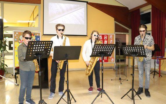 """U OŠ """"Braća Radić"""" održana Večer poezije i glazbe, uz Međunarodni dan poezije"""