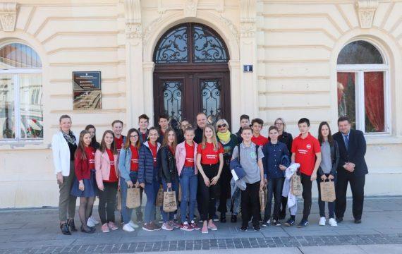 Mladi matematičari na prijemu kod gradonačelnika