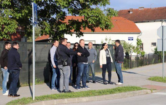 Gradonačelnik Jakšić i pročelnik Golubić, bili su u obilasku MO Brežanec